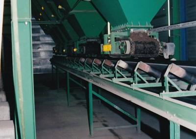 Siloblok grondstoffen met bandtransporteur - Excluton